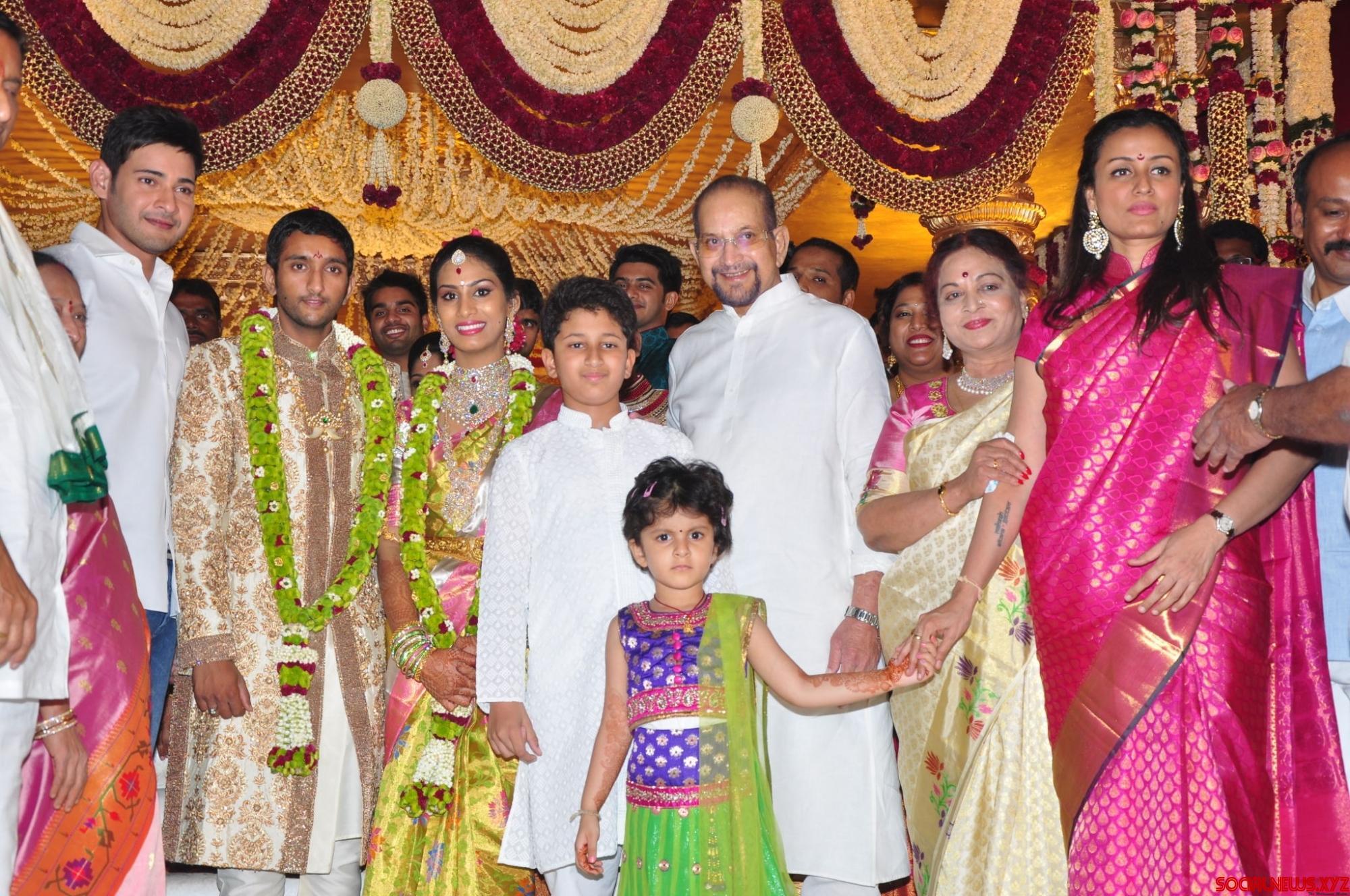 Telangana, Andhrapradesh, India Politics, Movie Reviews Actor sarath babu family photo