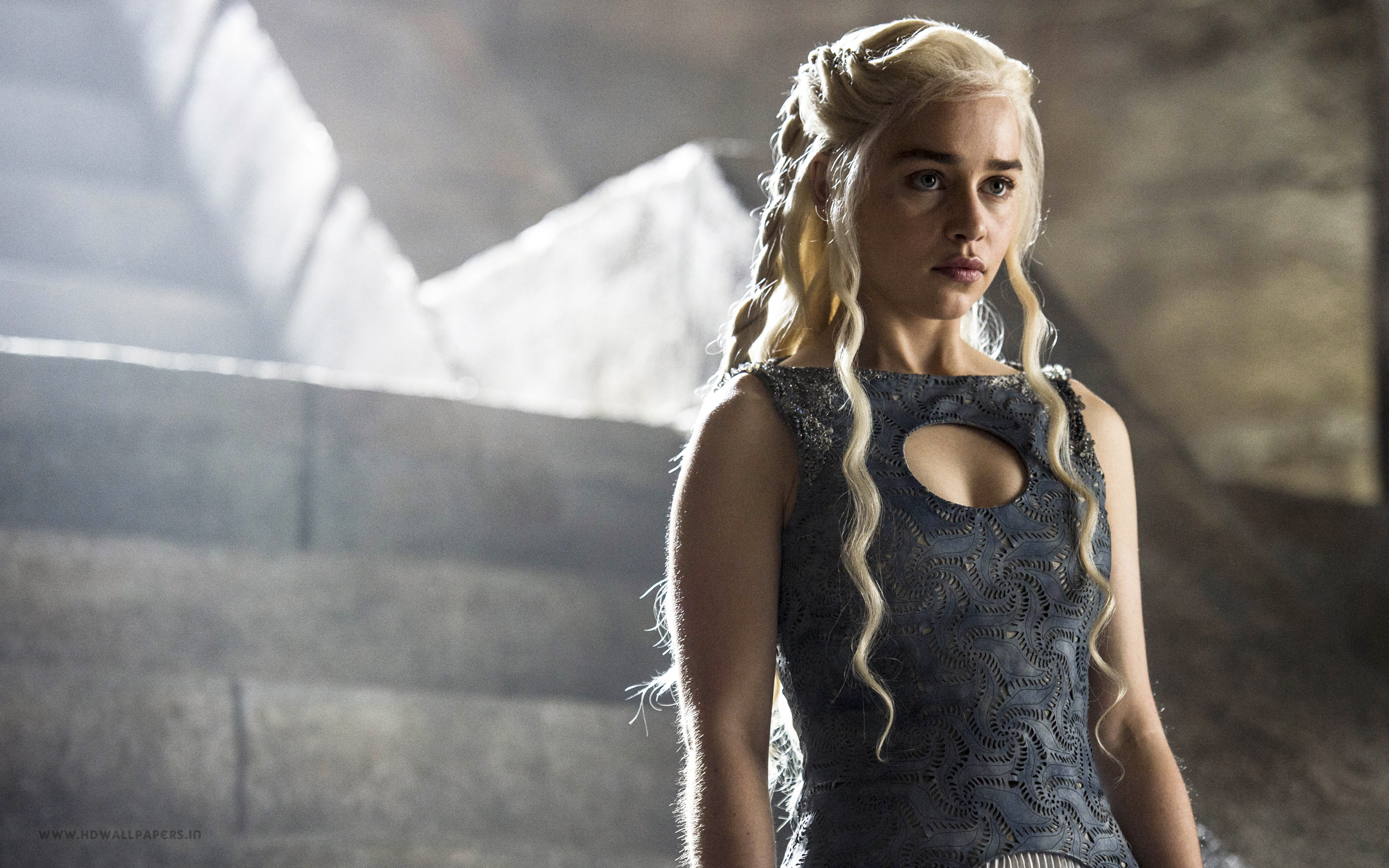 Emilia Clarke goes nude again for 'Game of Thrones ...