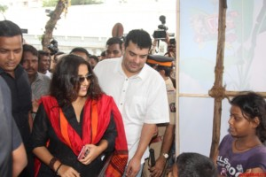 Mumbai: Vidya Balan watch film